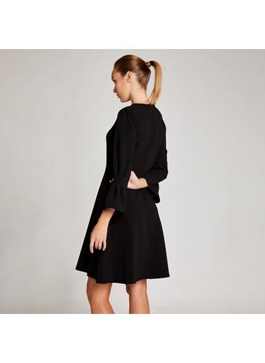 Vekem-Limited Edition Kolları Volanlı Sıfır Yaka Mini Elbise Siyah